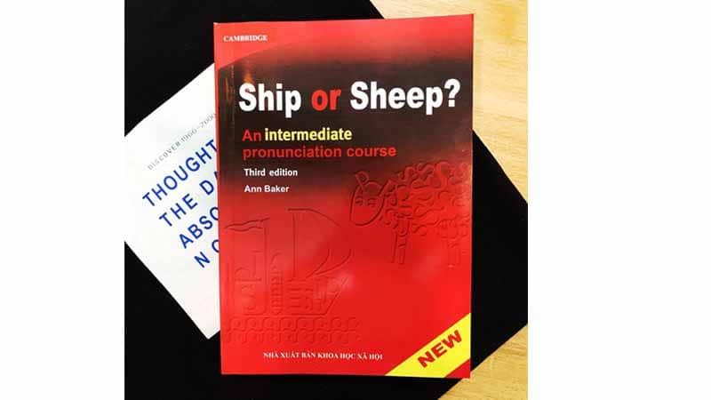 Cuon-sach-ship-or-sheep