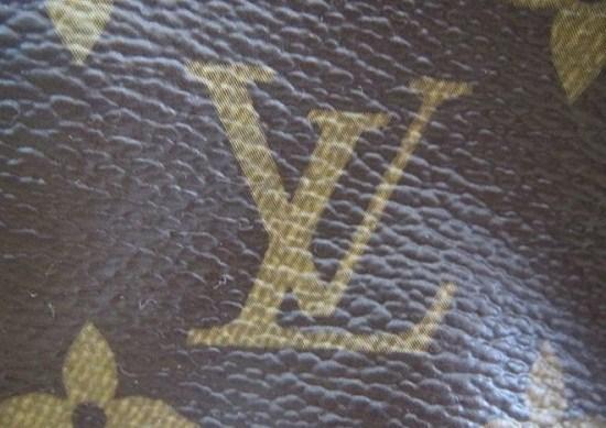 Luu Y Khi Mua Tui Louis Vuitton Lv Chinh Hang Kiem Tra Logo